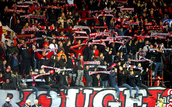 supporters rouge